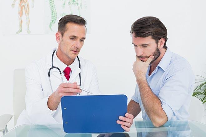 доктор и мужчина